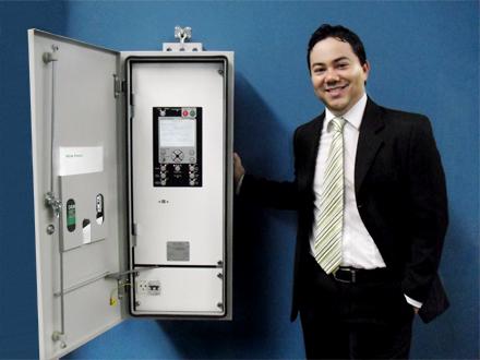 Bruno Kimura (Director general de NOJA Power Brazil) con RC10