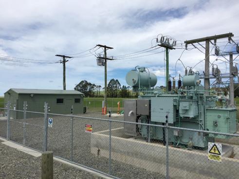Reconectador NOJA Power instalado en Waitaki en la subestación de Duntroon (Parte posterior de la subestación)